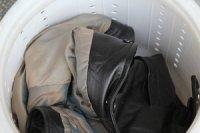 Як можна прати куртку зі шкірозамінника