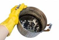 Як очистити пригорілу каструлю