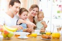 Як нагодувати сім'ю? Варіанти для ситного і корисного сніданку