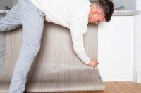 Як оклеїти плівкою кухонні меблі