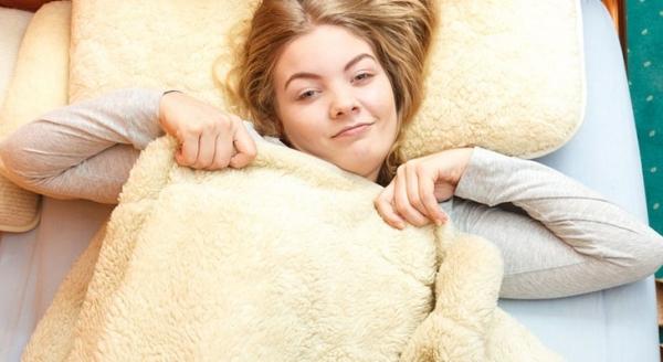 Як прати шерстяну ковдру в домашніх умовах