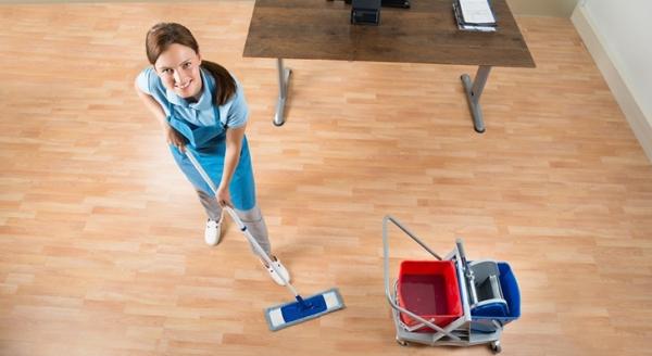 Як доглядати за ламінатом в домашніх умовах: тонкощі і секрети