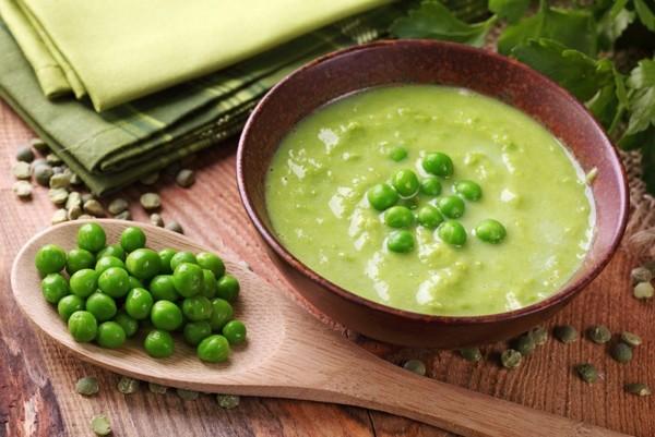Як приготувати холодний суп з зеленого горошка