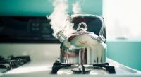 Як почистити чайник від накипу за допомогою оцту