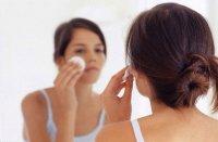 Як зробити особливий макіяж для проблемної шкіри з прищами