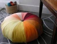 Як і яку зробити подушку для підлоги самому