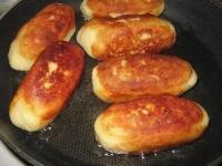 Як приготувати сосиски в картоплі