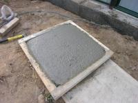 Як зробити плитку тротуарну на дачі своїми руками? Відео