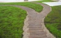 Як зробити садові доріжки своїми руками з малими витратами