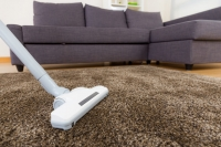 Як почистити килим пилососом